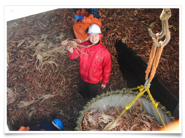 2011年某日、日本からアラスカの蟹を求めて、移動距離 全長約11,131kmもある遥か彼方のベーリング海アリューシャン列島へ赴きました。